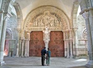Tímpano-en-la-basílica-de-Vézelay